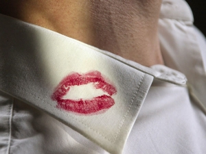 Use This Tips To Remove Lipstick Stains From Clothes