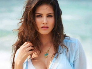 Sunny Leone Birthday Special Sunny Leone Stylish And Glamorous Look Goes Viral
