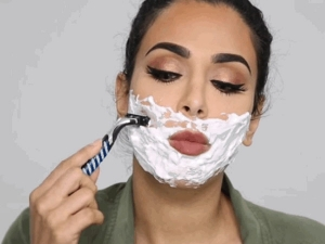 Know The Advantages And Disadvantages Of Women Face Shaving