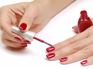 Know How To Apply A Perfect Nail Polish For Beautiful Hands