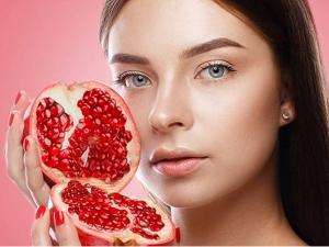 Use Pomegranate Toner For Wrinkles Free Face