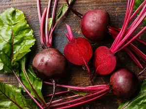 Use Beetroot And Aloevera Serum For Anti Ageing Skin Care
