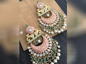 Wear These Jhumkas With Traditional On Raksha Bandhan