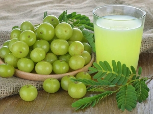 Use Amla Juice For Hair Growth Know Benefits