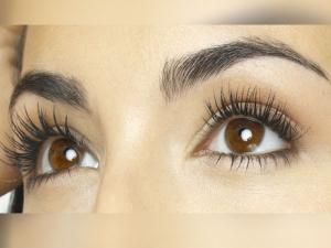 Use Homemade Serum For Longer And Thicker Eyelashes