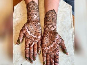Apply Latest Mehndi Design On Hartalika Teej
