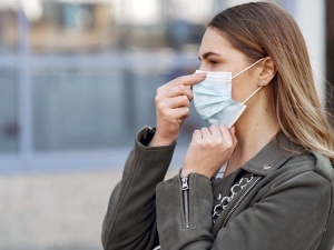 Sore Throat Could Be Because Of Prolonged Mask Usage