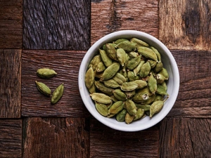 Use These Cardamom Diy Face Mask For Skin Whitening At Home