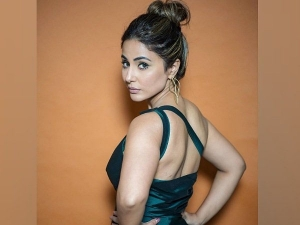 Hina Khan Looks Beautiful In Dark Green Dress From Bigg Boss