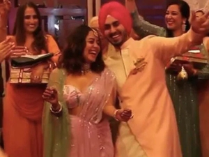 Neha Kakkar Wear Pink Pre Draped Saree In Her Roka Ceremony With Rohanpreet Singh See Photos