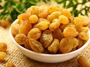 Benefits Of Raisins Or Kishmish Water For Skin And Hair In Hindi