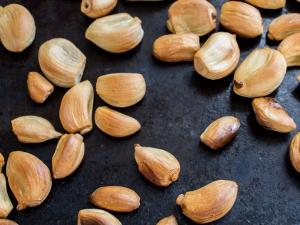 Benefits Of Roasted Garlic In Winter Season