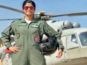 All About Swati Rathore First Woman To Lead Republic Day Parade Flypast In Hindi