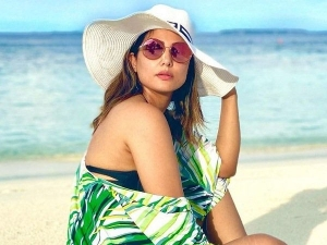 Hina Khan Look Gorgeous In Patterned Green Shrug And Cool Hat