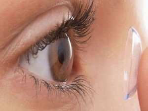 Makeup Tips For Girls Who Wear Contact Lenses