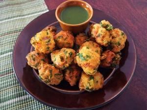 Moong Dal Pakoda Ki Recipe