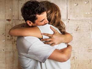 Benefits Of Hugging And Kissing On Valentine 2021 Week
