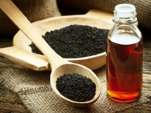 Black Sesame Oil For Silky And Shiny Hair In Hindi