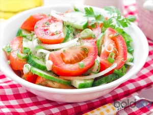 Never Mix Cucumber And Tomatoes In A Salad