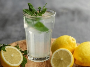 It Turns Out You Can Drink Too Much Lemon Water