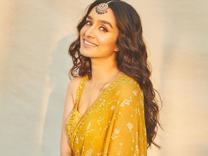 Shraddha Kapoor Uses Aloevera Hair Mask For Shiny Hair