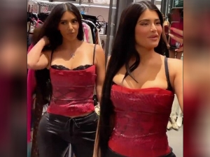 Kim Kardashian And Kylie Jenners Looks Stunning In Twinning Outfit