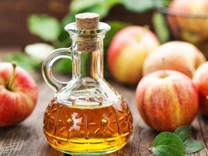 Use Apple Cider Vinegar In Summer For Glowing Skin