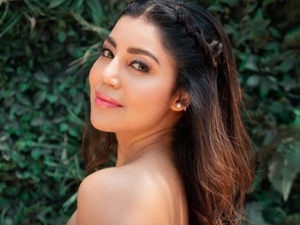 How To Do Flawless Makeup Without Foundation Learn From Debina Bonnerjee