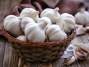 How To Buy And Select Fresh Garlic
