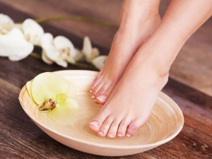 How To Use Vinegar For A Pedicure At Home In Hindi