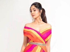 Shilpa Shetty In A Colour Blocked Dress For The Latest Episode Of Super Dancer