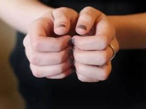 Benefits Of Balayam Yoga Or Nail Rubbing Exercise In Hindi