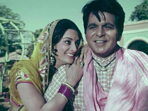 All You Need To Know About Dilip Kumar And Saira Bano Love Story In Hindi