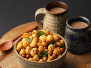 Makhana Bhel Recipe For Somvar Vrat In Hindi