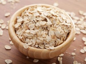 How To Use Oats Scrub In Monsoon For Clean And Clear Skin At Home In Hindi