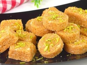 Easy Seviyan Burfi Recipe For Eid In Hindi