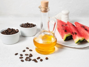 How To Use Watermelon Seeds Oil For Glowing Skin In Hindi