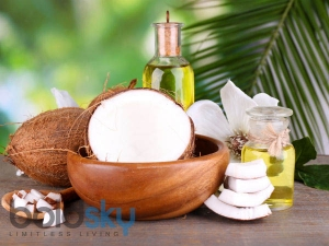 Use Coconut Oil And Camphor For Frizzy Hair In Monsoon