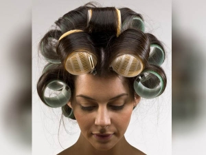 How To Use Hair Rollers For Hair Volume And Curl Hair In Hindi