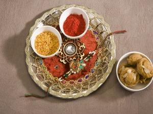 Rakhi Thali Decoration In Hindi Must Include These Things In Rakhi Thali