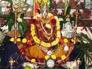 Varalakshmi Vratam 2021 Date Puja Timings Puja Samagri Puja Vidhi Mantra And Importance In Hindi