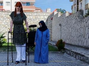 World Tallest Living Woman Rumeysa Gelgi From Turkey Stands More Than 7 Feet Tall