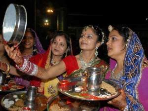 करवा चौथ: इन नुस्खों से नहीं लगेगी व्रत के दौरान प्यास