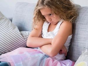 बच्चों में बढ़ते गुस्से को कम करने से पहले जान लें इसकी असली वजह