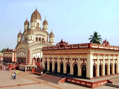 इस मंदिर में होती है श्री कृष्ण की खंडित मूर्ति की पूजा