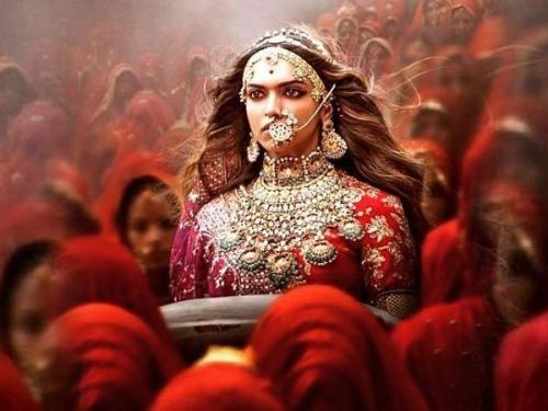 जौहर क्या है? क्यूं राजपूत महिलाएं इसे शौर्य और सम्मान का