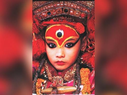 इस देश में 'जीवित कन्या' को बना दिया जाता है 'देवी'