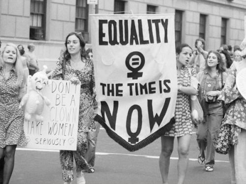 जानिए कब और क्यों मनाया जाता है इंटरनेशनल वुमन डे