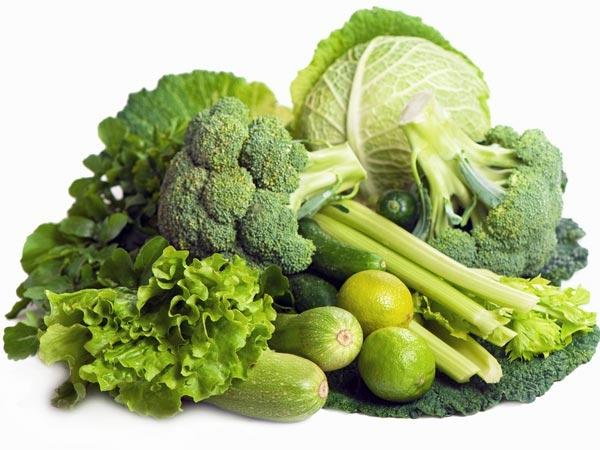 8. हरी पत्तेदार सब्जियां: